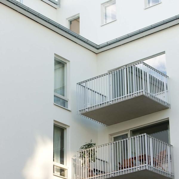Kvarter Sjövik i Stockholm, balkonger