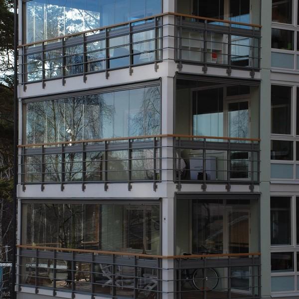 Solen 1 i Göteborg, inglasade balkonger