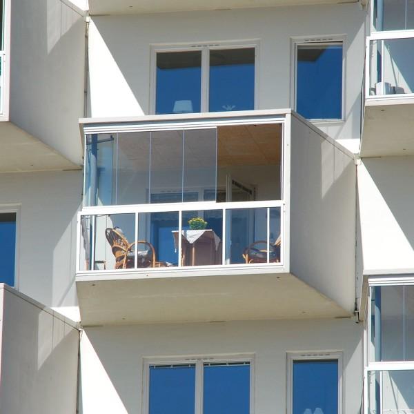 Nelikan 1 i Borås, balkong