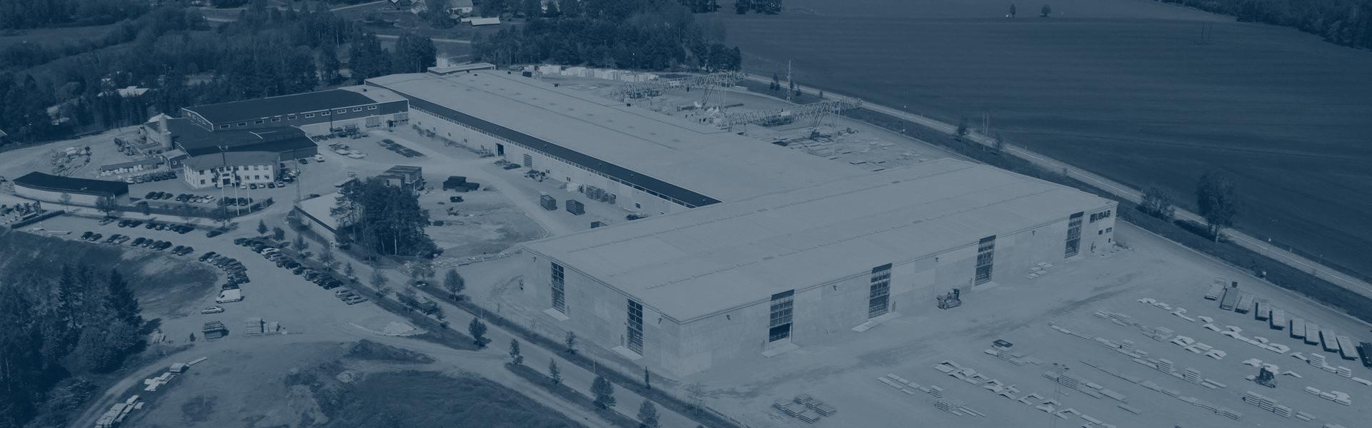 Flygbild över UBABs fabrik